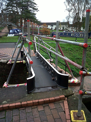 Stourport lock tail bridge